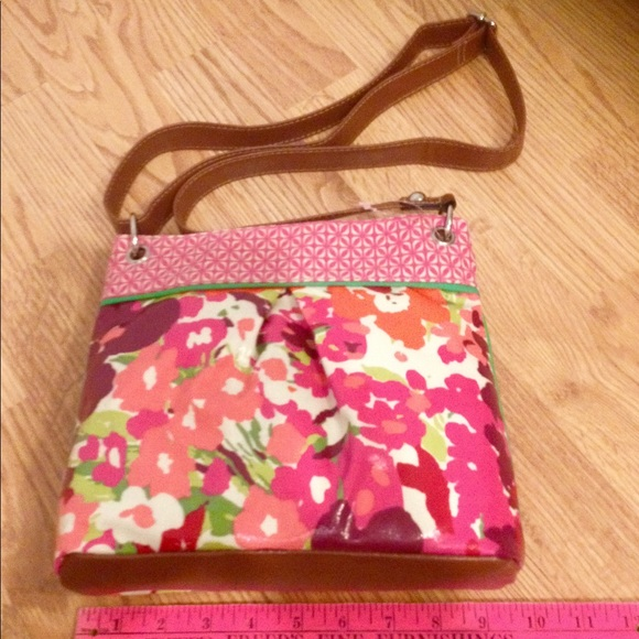 515f079deb2 NWOT ladies multi color purse. Crossover strap